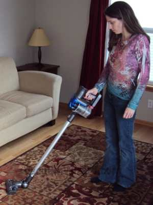 how to clean dyson dc35 head