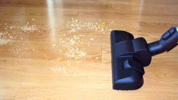 Miele Olympus S2120 on Hard Floors